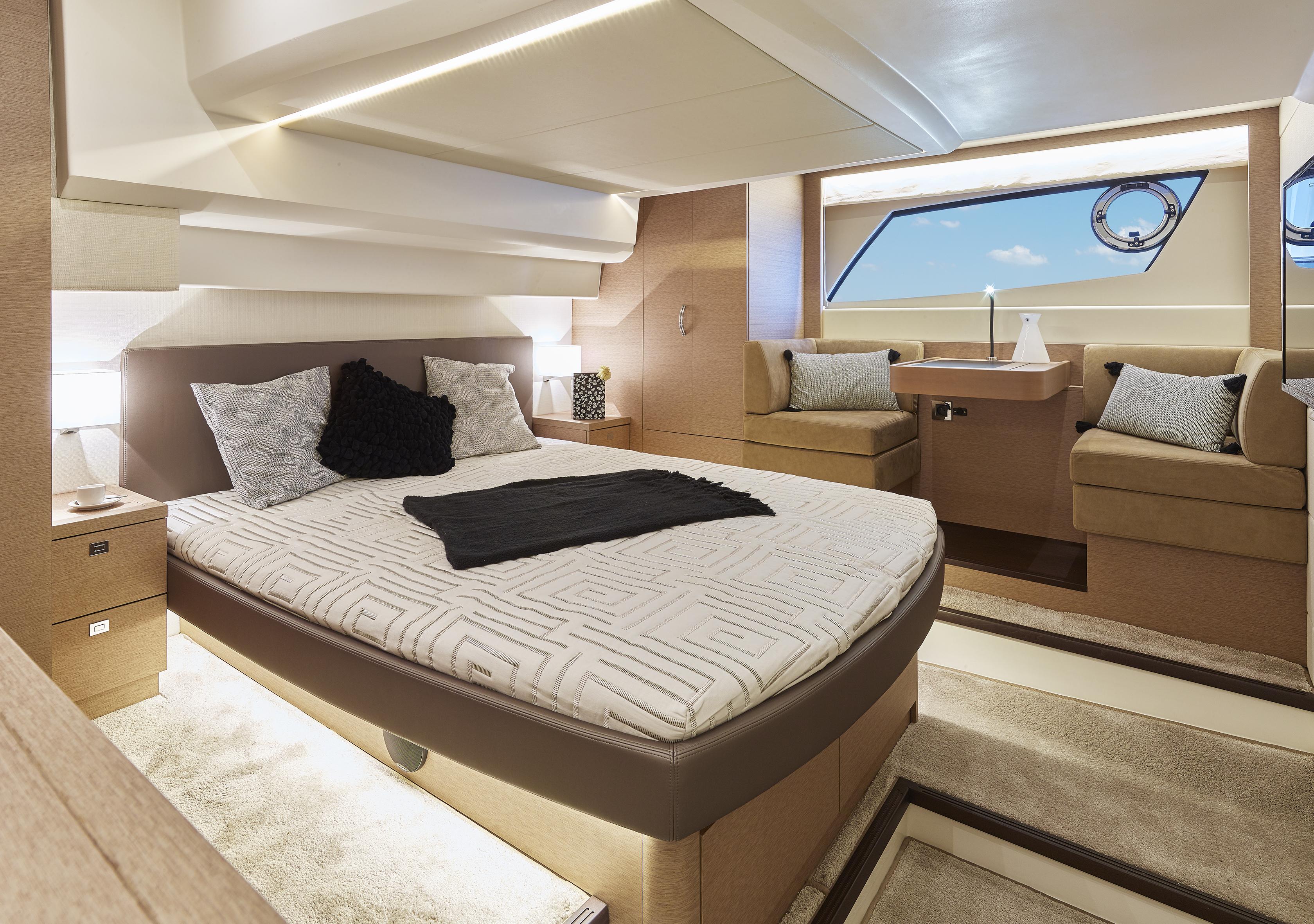 p500-master-cabin